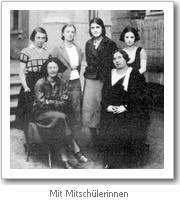 Simone Weil mit Mitschülerinnen