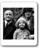 Helga Erdtmann mit ihren Eltern